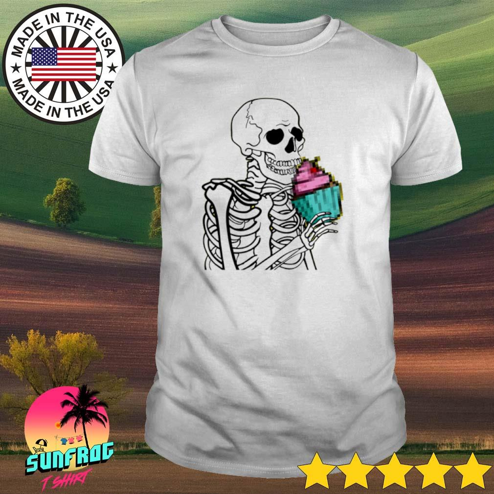 Skeleton eat cupcake shirt